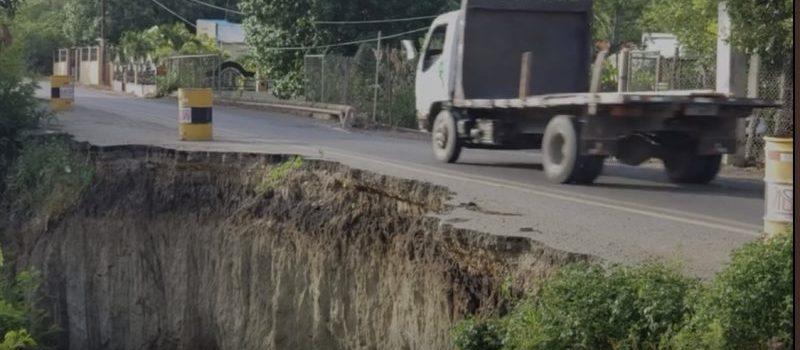 Derrumbe en carretera afecta facilidad para circulación
