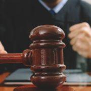 A la cárcel mujer acusan intentar estrangular hija