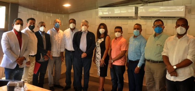 Eduardo Estrella ratifica apoyo autoridades municipales