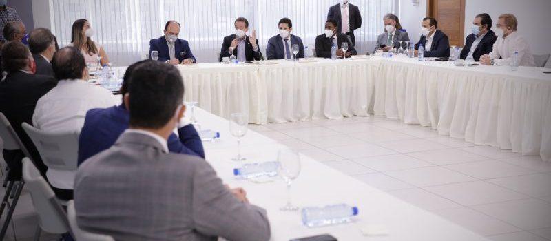 Bisonó se reúne con empresarios combustibles