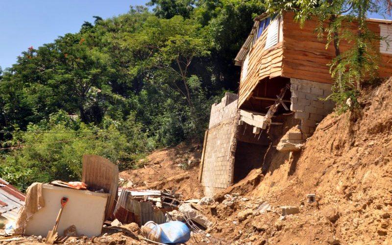 Construyen casas en zonas de peligro para alquilarlas