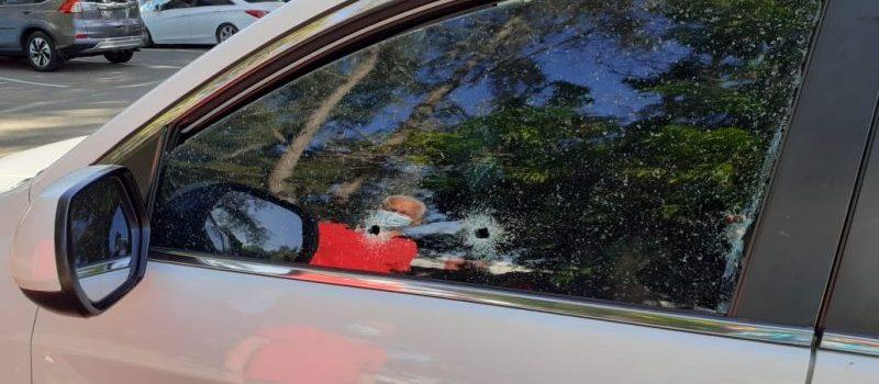 Desconocido mata hombre a tiros y hiere a su esposa