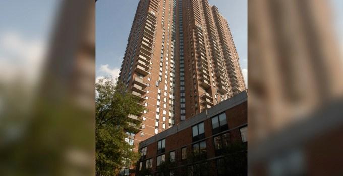 Niño fallece al caer de piso 20 en Manhattan