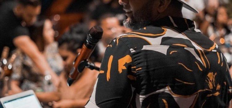 Criollo Richard Francisco se destaca como cantante