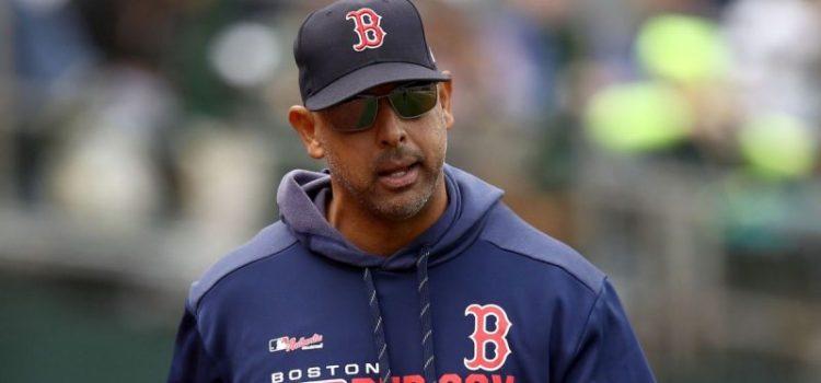 Alex Cora volverá dirigir a Boston