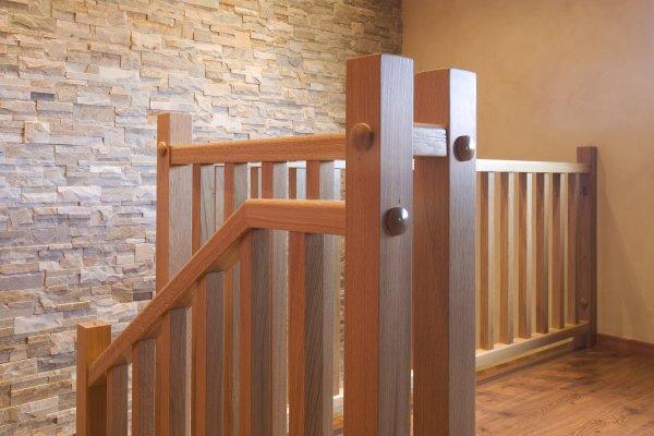 barandilla interior de madera