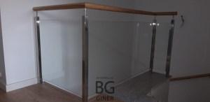 barandilla interior cristal madera