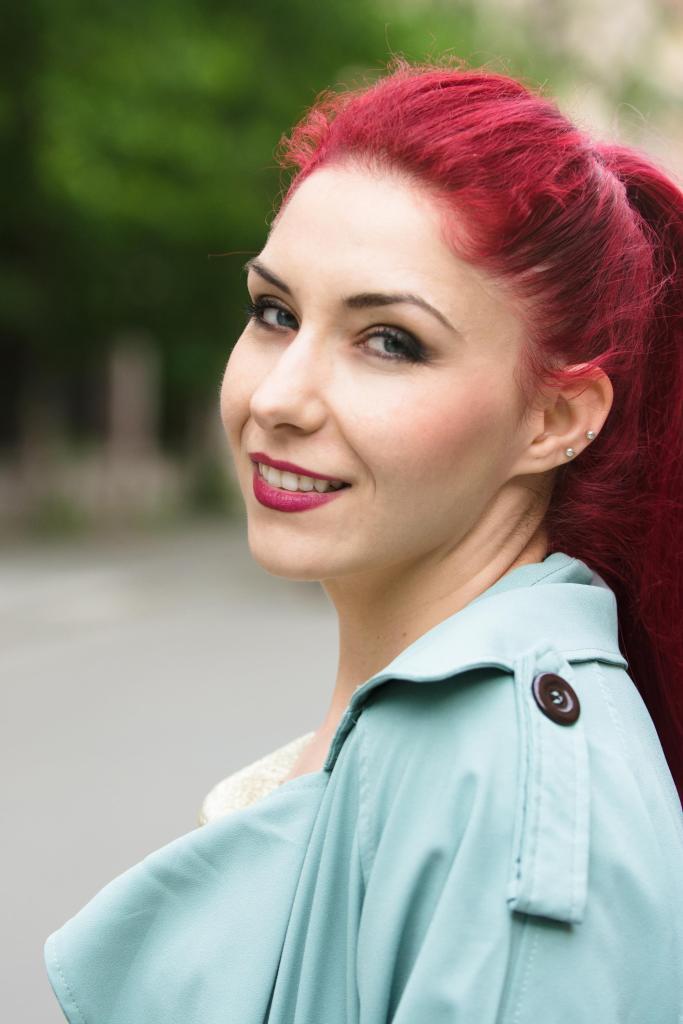 redhead blogger