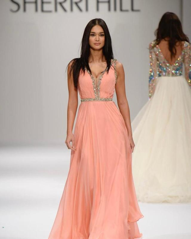 Why A Designer Dress Is Best For Prom What To Wear Fashion Blog