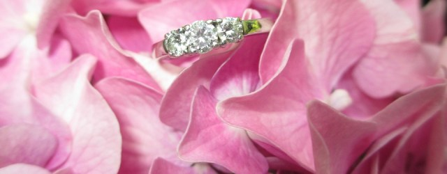 5 Factors To Consider When Searching For An Engagement Ring