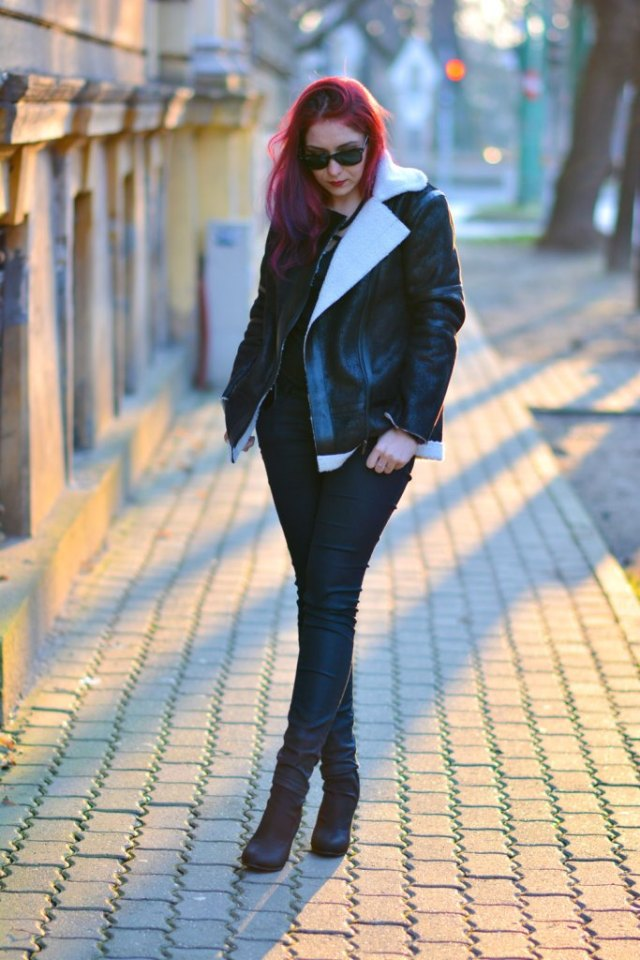 what to wear with black jeans
