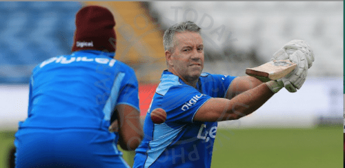 Stuart Law (right) quits as West Indies head coach