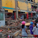 World: Hundreds dead in Indonesia quake and tsunami