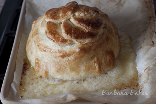 Brie-en-croute-hot