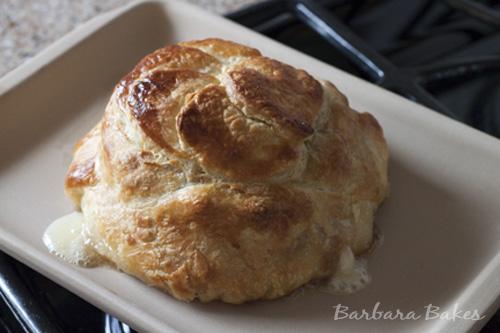 Brie-en-croute-pepper-jelly
