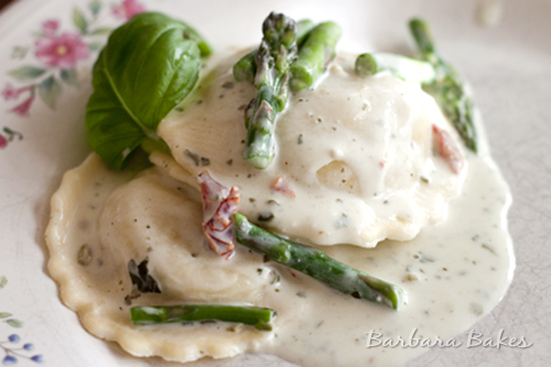 Light Creamy Pesto Ravioli – made with light cream cheese and 1% milk, but the sauce is so flavorful you'll never miss the extra fat.