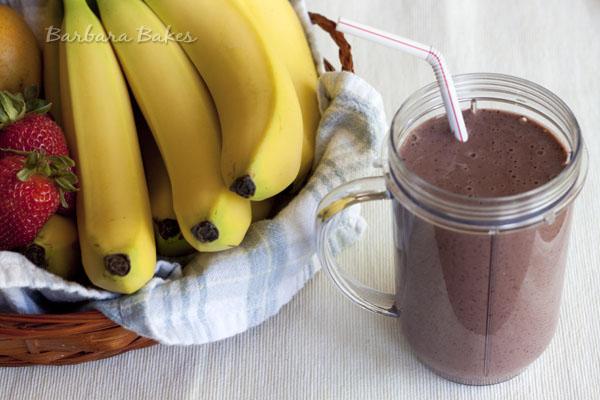 Berry-Yogurt-Smoothie-Barbara-Bakes