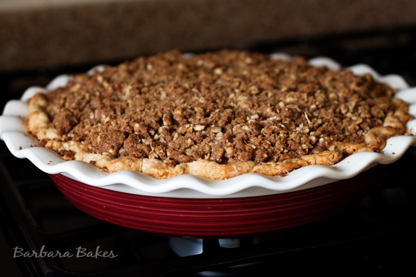 Peaches and Cream Crumble Top Pie