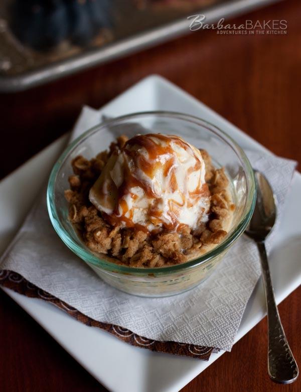 Mini Caramel Apple Streusel Pies Ala mode | Barbara Bakes