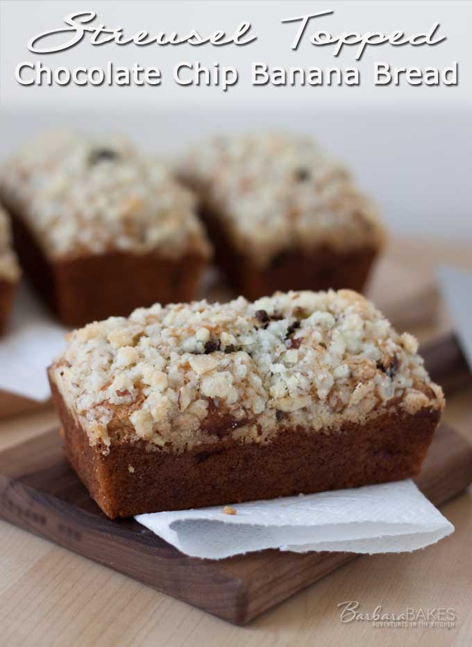 Featured Image for post Streusel Topped Chocolate Chip Banana Bread
