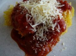 Featured Image for post Spaghetti Squash with Quick Pasta Sauce