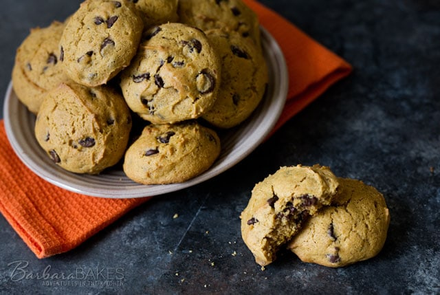 Featured Image for post Pumpkin Chocolate Chip Cookies
