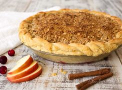 Featured Image for post Apple Cranberry Streusel Pie
