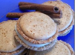 Featured Image for post Cinnamon Roll Macarons
