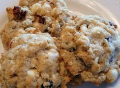 Featured Image for post Oatmeal White Chocolate Cranberry Cookies