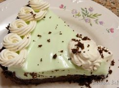 Featured Image for post Key Lime Cream Cheese Pie and Spring Flower Macarons