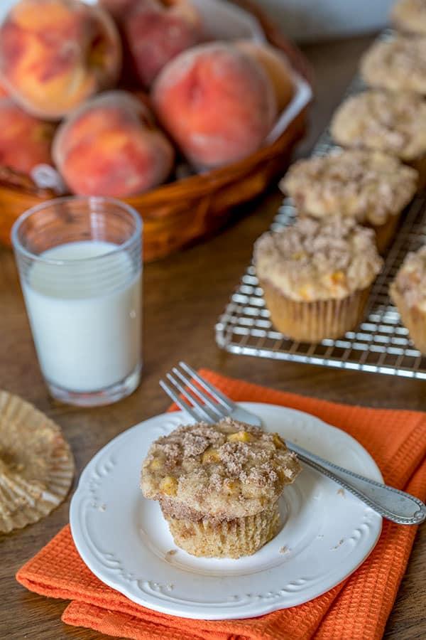 Peach-Cobbler-Muffins-Barbara-Bakes