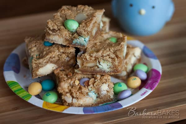 Featured Image for post White Chocolate Macadamia Nut Blondies