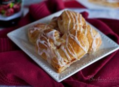 Featured Image for post Heart Shaped Cherry Hand Pies