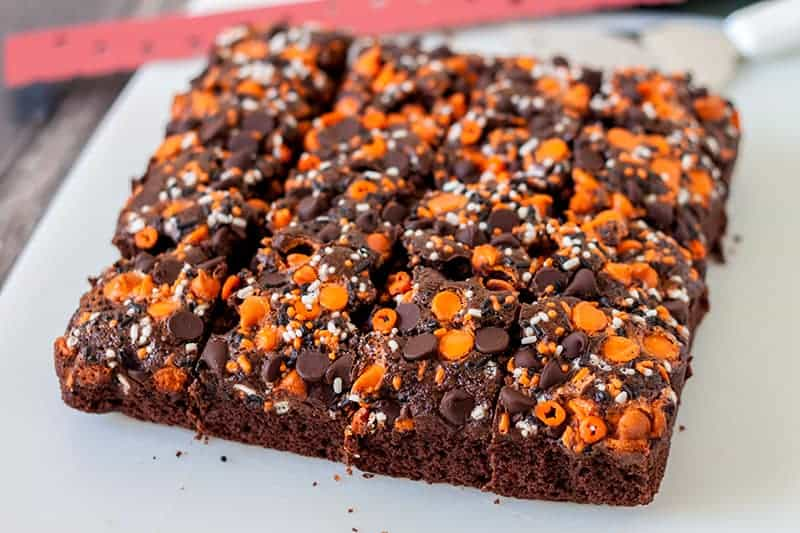 festively decorated Halloween pumpkin brownies