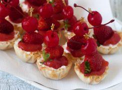 Featured Image for post No-Bake Strawberry Margarita Cheesecake Bites