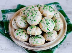 Featured Image for post Italian Cookies for St. Patrick's Day