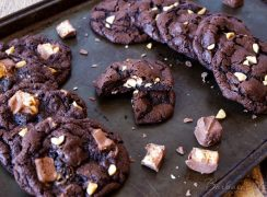 Featured Image for post Chocolate Snickers Cookies