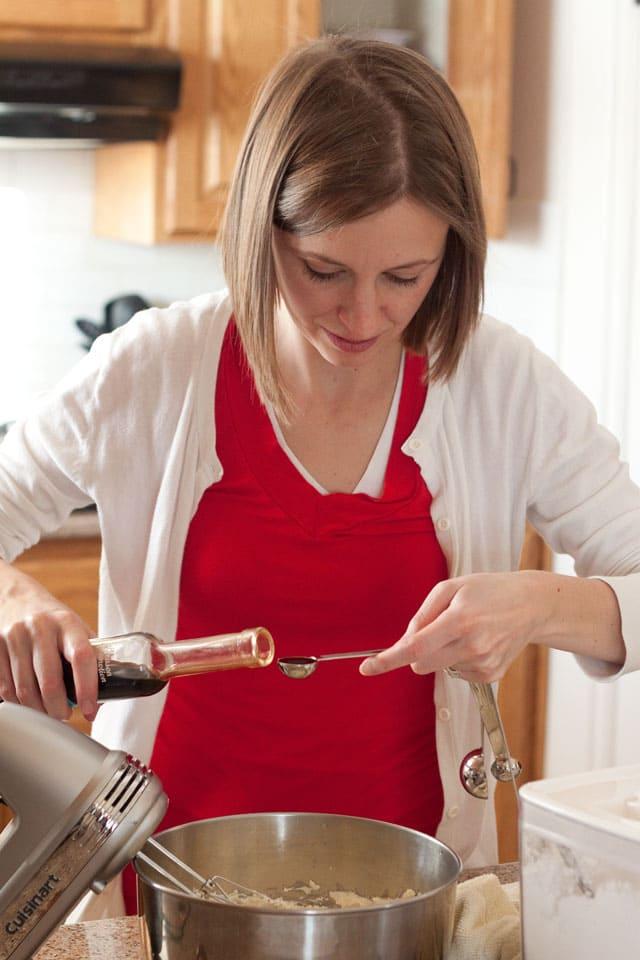 Jennifer\'s baking tips for layer cakes.