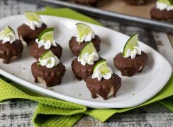 Featured Image for post Chocolate Covered Frozen Key Lime Pie Bites