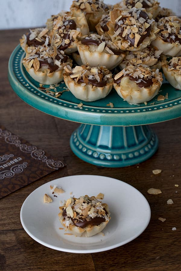 Not only are theseChocolate Almond Coconut Pie Bites easy-to-make, they\'re easy for your guests to eat, and easy for you to serve.
