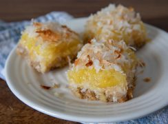 Featured image of Pineapple Coconut Bars