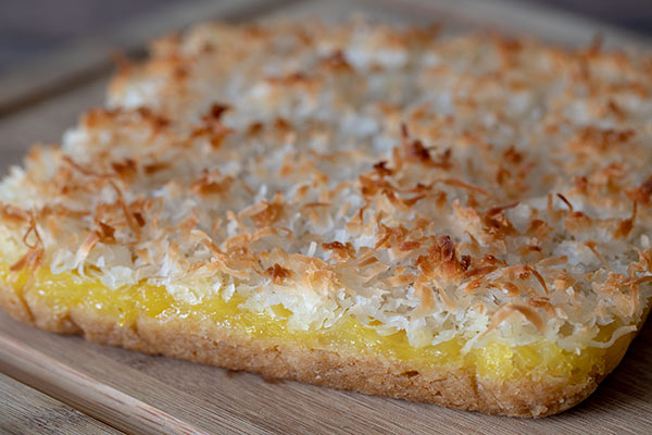 Pineapple-Coconut-Bars-Uncut