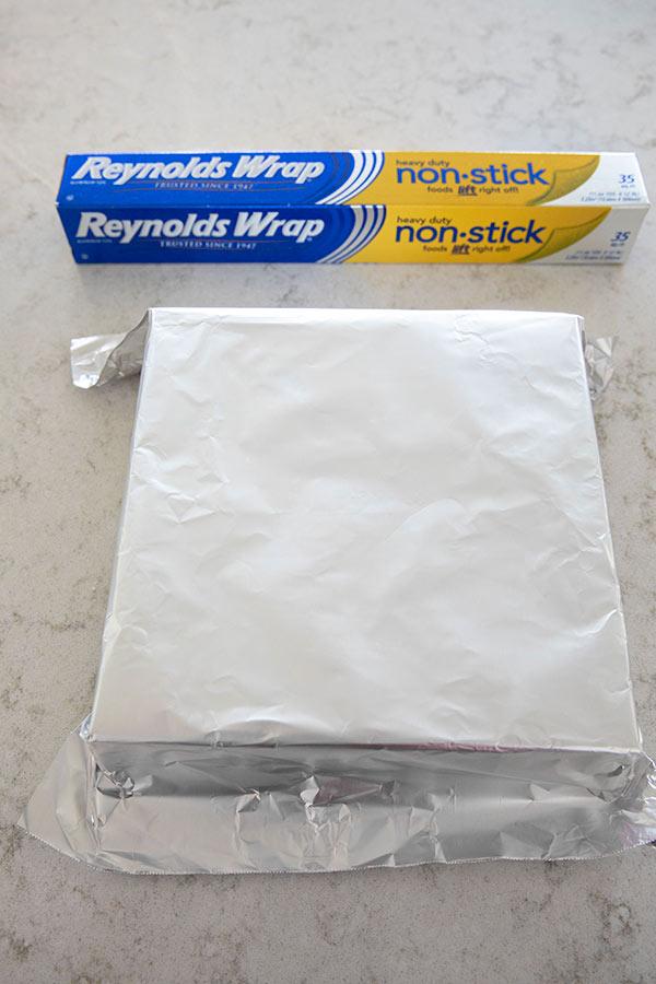 Shaping Aluminum Foil Around Baking Pan