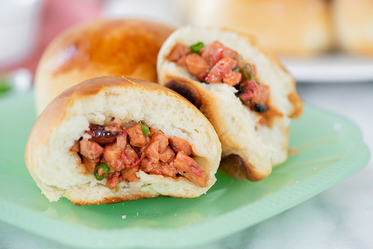 baked bbq char sui bao