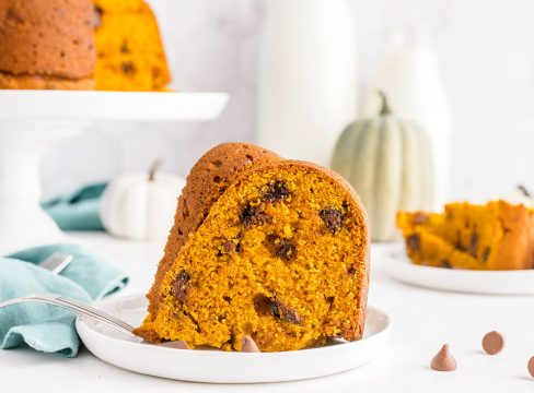 plate with a slice of pumpkin chocolate chip bundt cake