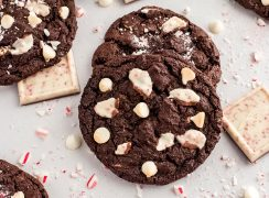 chocolate peppermint cookies with crushed candy canes