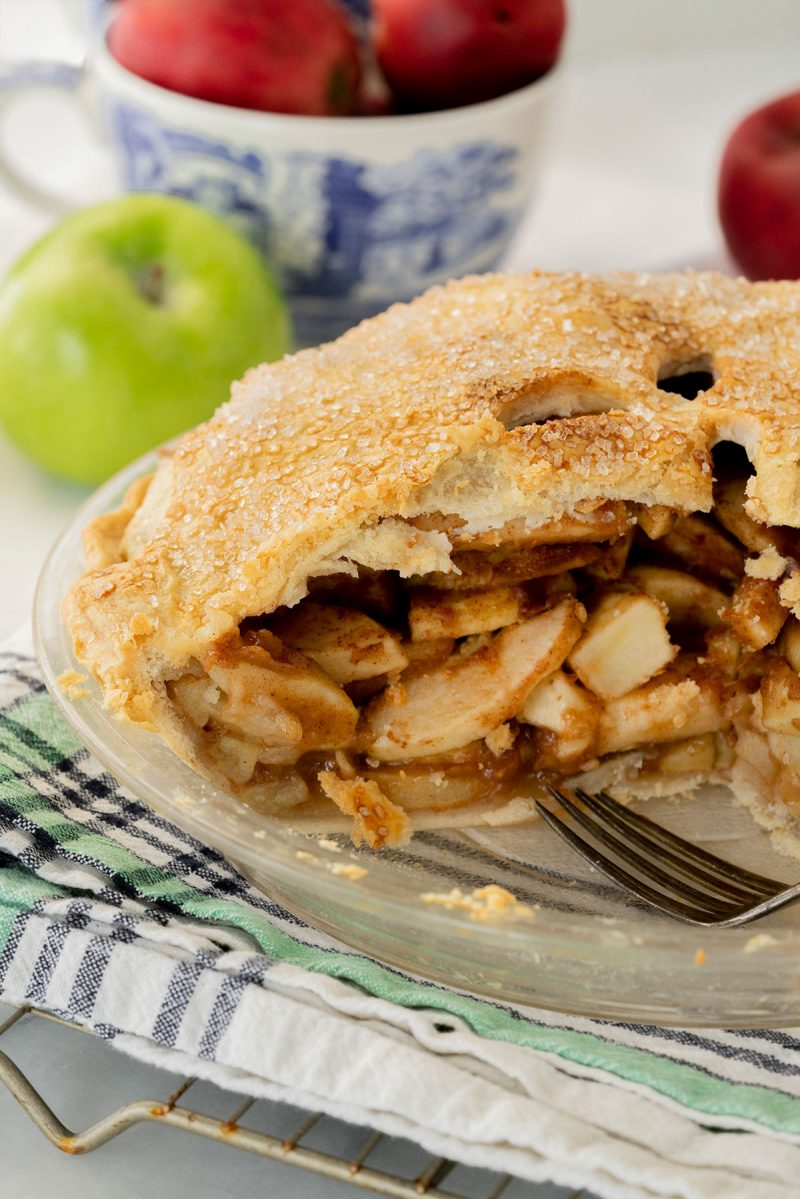 sliced open double crust apple pie