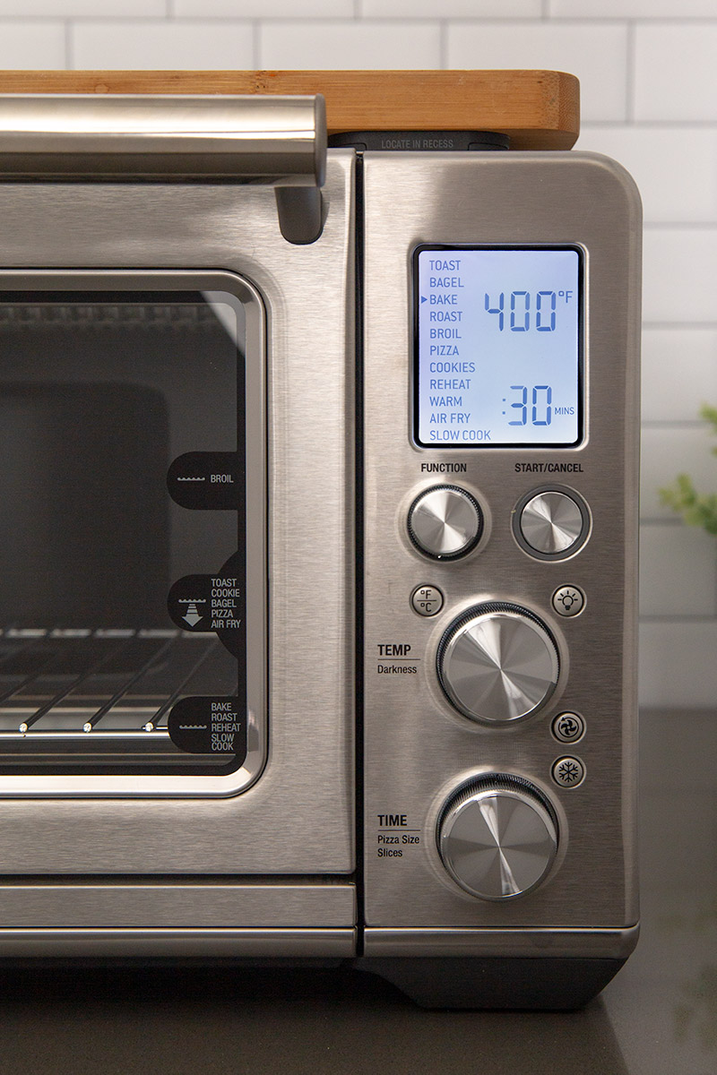 Close up of the panel and LCD screen for the Breville Smart Oven Air Fryer
