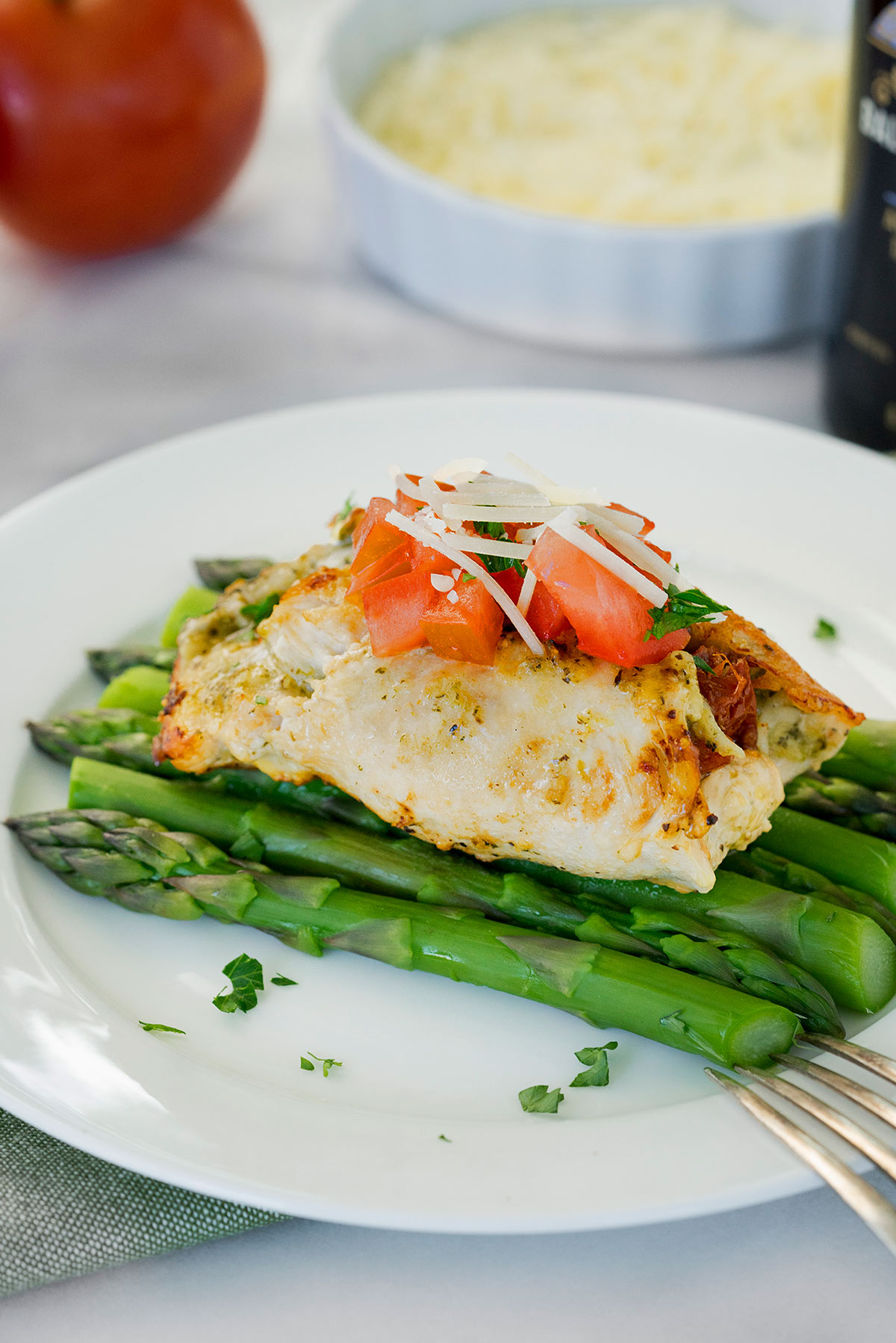 chicken pesto roll ups with asparagus