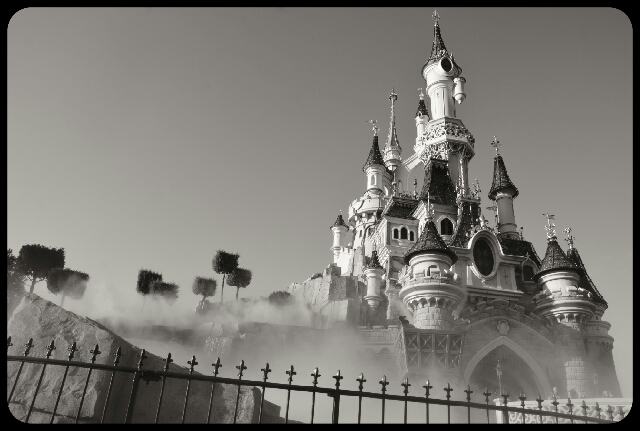 Disneyland En Noir Et Blanc Part 1 2 Barbara Eichert